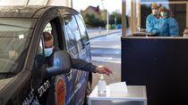 Melihat Layanan Pemungutan Suara Drive In di Lithuania