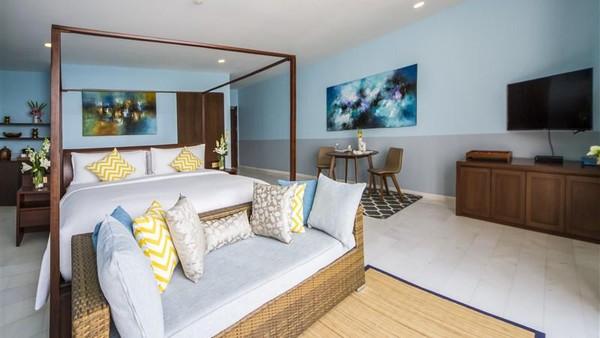 Ada berbagai penawaran kamar dan fasilitas kamar, yaitu satu kamar hingga lima kamar. Pilihan satu kamar memiliki kawasan indoor yang mewah. (Montigo resort)