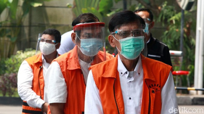 KPK kembali memeriksa para tersangka kasus suap mantan Gubernur Sumut Gatot Pujo Nugroho. Sejumlah tersangka itu merupakan eks anggota DPRD Sumatera Utara.