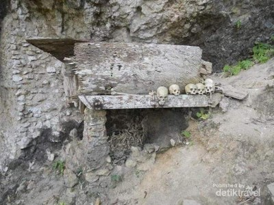 Foto: Pemakaman Gantung Tana Toraja