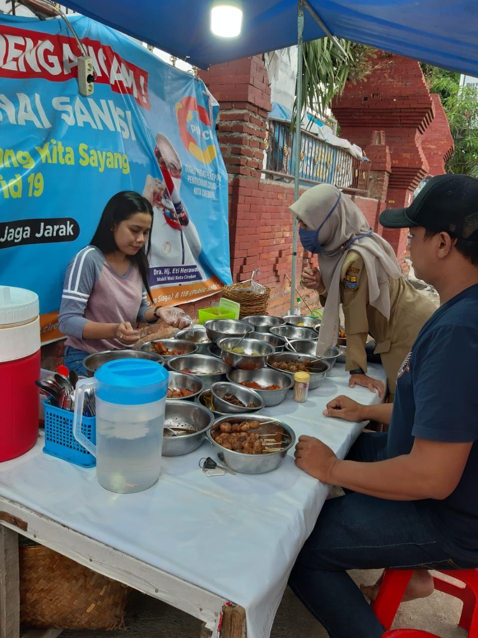 Penjual Nasi Jamblang Cantik di Cirebon