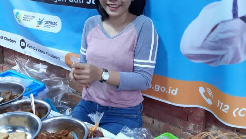 Agista, Si Cantik yang Sukses Jualan Nasi Jamblang