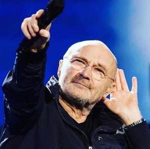 Phil Collins Disebut Kena Karma Setelah Ditinggal Istri Lewat SMS