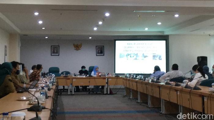 Rapat pansus banjir DPRD DKI bersama ahli