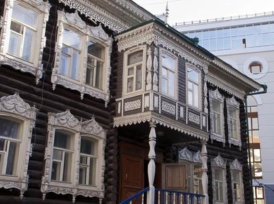 Rumah Kayu Bersejarah di Siberia yang Hidup Segan Mati Tak Mau