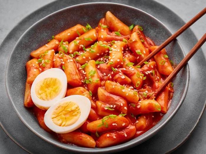 Tteokbokki Terpilih Jadi Comfort Food Terfavorit Orang Korea