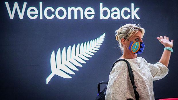 Momen haru di Bandara Sydney, NSW, saat menyambut penerbangan perdana dari Auckland, NZ.