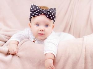 100 Nama Bayi Perempuan yang Artinya Kaya dan Makmur