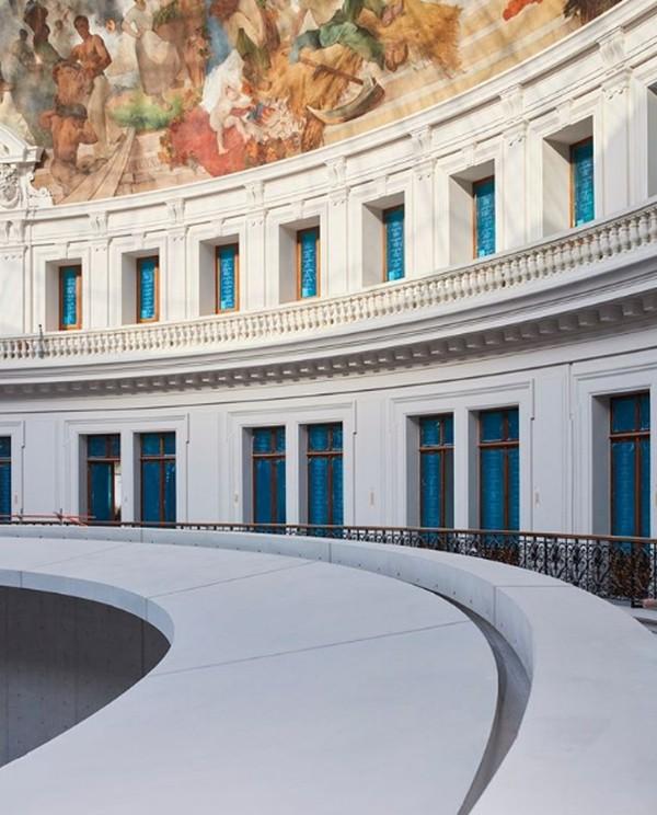 Bangunan ini akan mencakup ruang pameran modular seluas 6.800 meter persegi, yang dapat digunakan secara keseluruhan untuk pameran berskala besar atau dibagi menjadi ruangan berukuran 100 hingga 600 meter persegi.