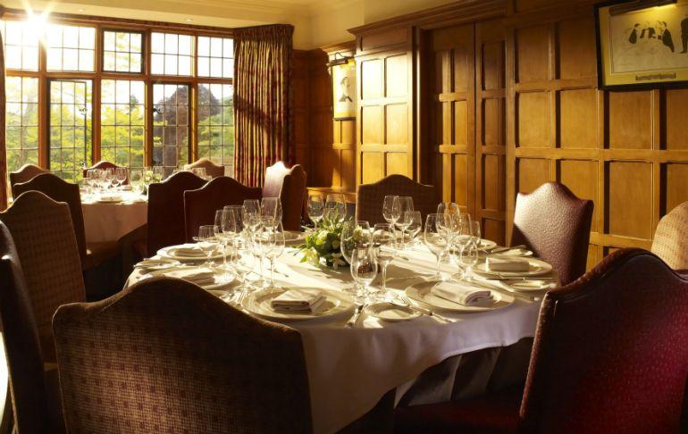 Bukan Romantis, Lampu Remang-remang di Restoran Bikin Makanan Tak Enak