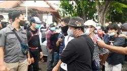 Ratusan Orang Diduga Penyusup Demo Omnibus Law Surabaya Diamankan, 6 Pelajar