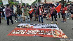 Massa Kembali Demo di Yogya Hari Ini, UGM Minta Agar Tidak Anarkis