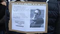 Guru Dipenggal, Paris Tutup Masjid