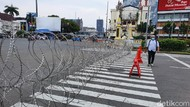 Jelang Demo, Simpang Harmoni Arah Istana Ditutup Kawat Berduri