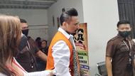Jerinx Kembali Tak Kenakan Masker Usai Sidang di PN Denpasar