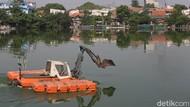 Antisipasi Banjir Situ Rawa Badung Dibersihkan
