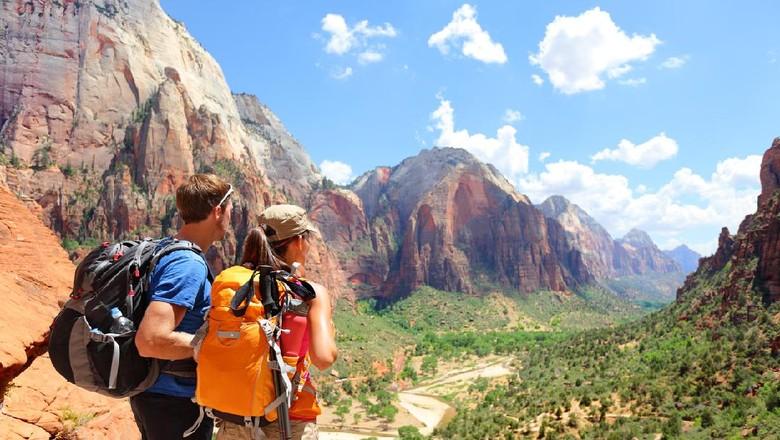 Taman Nasional Zion dan ilustrasi pendaki