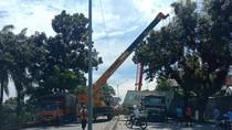 Truk Kontainer Melintang di Jalan Yos Sudarso Medan, Lalin Macet