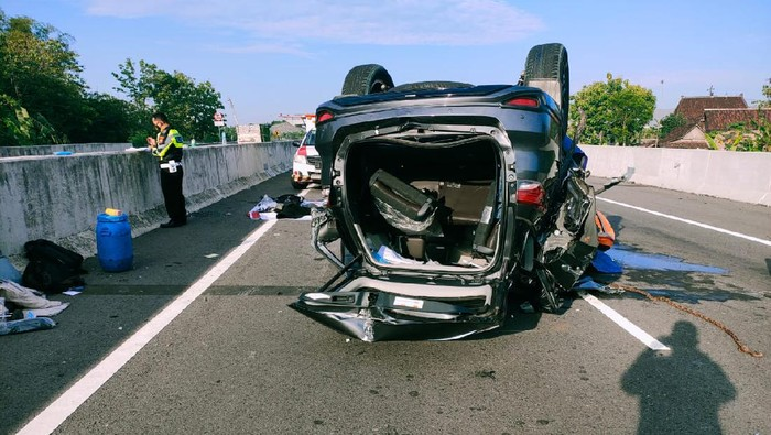 Wakil Ketua DPRD Kabupaten Pekalongan tewas kecelakaan di Tol Solo-Ngawi, Selasa (20/10/2020).