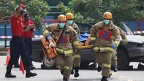 Diduga Hendak Bunuh Diri dari Lantai 39 Apartemen, Seorang Lansia Dievakuasi