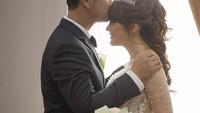 Foto: Intip Momen Mesra Angela Lee saat Dinikahi Pengusaha Tajir