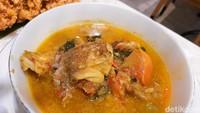 Baku Sayang: Ayam Tinorangsak hingga Garopa Woku Sedap Buat Makan Siang