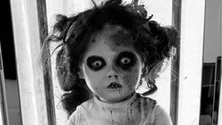 Boneka Menyeramkan Ini Dirasuki Setan, Bisa Menangis Betulan