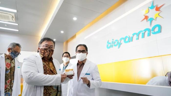 BUMN farmasi, Bio Farma mendapatkan kepercayaan memproduksi vaksin COVID-19 untuk Coalition for Epidemic Preparedness Innovations (CEPI).