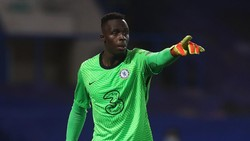Mendy Tak Ingin Jadi The Next Petr Cech di Chelsea
