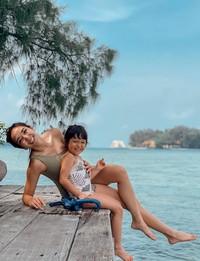 Dalam Instagramnya, Gisella Anastasia membagikan momen liburannya bersama Gempi.