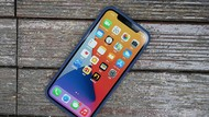 Fanboy Apple Ngeyel Tetap Antre iPhone 12