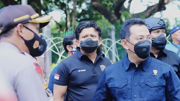 Kabareskrim Komjen Listyo Sigit Prabowo (kanan depan) dan Dirtipidum Bareskrim Polri Brigjen Ferdy Sambo (tengah)