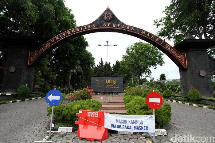 Universitas Sebelas Maret (UNS) Solo hentikan aktivitas di kawasan kampus akibat virus Corona. Seperti apa suasana di kampus itu saat tutup sementara?