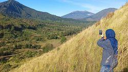 Hamparan Sabana di Kawah Wurung, Zamrudnya Bondowoso