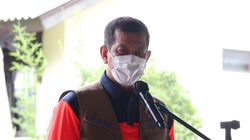 Cerita Kepala BNPB Positif COVID-19 yang Diduga Tertular Saat Makan