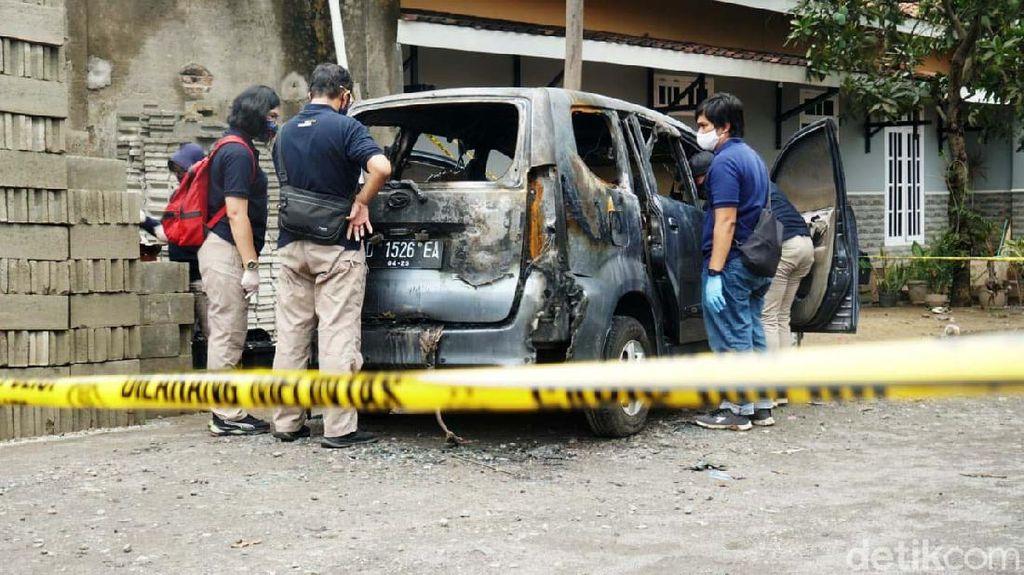 Jasad Yulia yang Ditemukan Terbakar dalam Mobil Dimakamkan Siang Ini