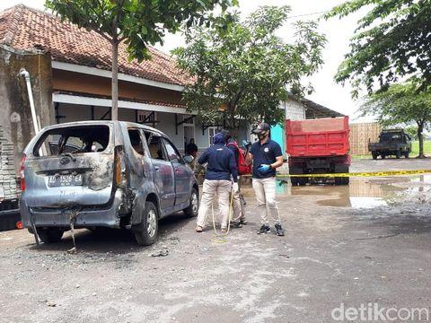 Mayat wanita terbakar dalam mobil di Sukoharjo, Rabu (21/10/2020).