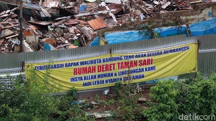 Progres pembangunan rumah deret (Rudet) Tamansari, Kota Bandung memasuki tahap pertama. Pembangunan tahap pertama ini, meliputi pondasi dan struktur.
