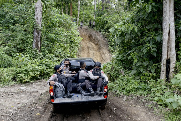 Barang bukti narkotika jenis ganja dimusnahkan dengan cara dibakar di Polda Aceh.