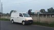 Viral Pemobil Buang Sampah di Kalimalang, Pelaku Bisa Didenda Rp 5 Juta