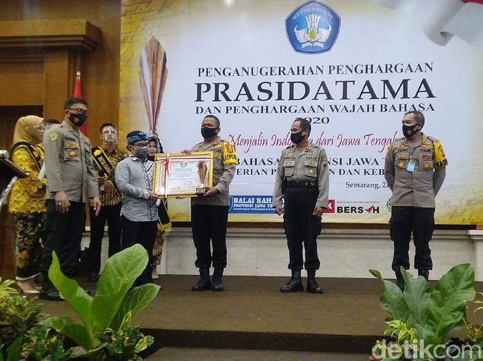 Penulis hingga Polisi di Jawa Tengah Raih Penghargaan di Bidang Bahasa