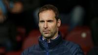 Jelang MU Vs Chelsea, Petr Cech Latihannya Kayak Gini