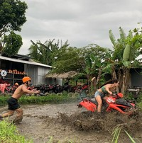 Lihatlah keseruannya bermain ATV di Silakarang Adventure Bali. (Pevita Pearce/Instagram)