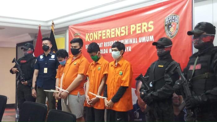 Polres Jakbar tangkap 6 pelaku pengeroyok polisi saat demo omnibus law