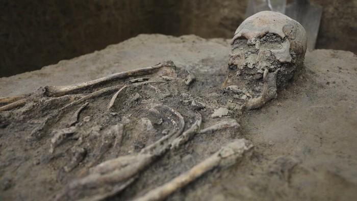 Kerangka berusia 500 tahun ditemukan di kawasan Bogota, Kolombia. Arkeolog memperkirakan kerangka itu berasal dari abad ke-16. Berikut potretnya.
