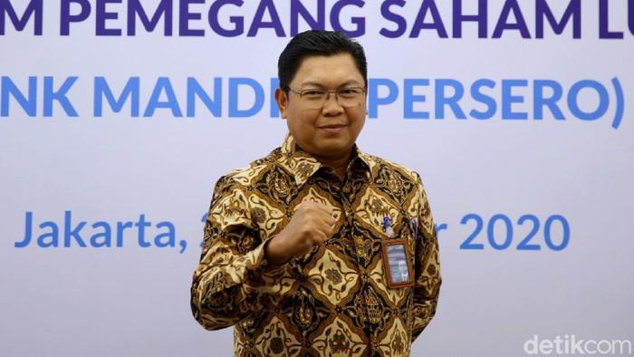 Darmawan Junaidi resmi menjadi Direktur Utama Bank Mandiri. Ia menggantikan Royke Tumilaar yang ditunjuk menjadi Direktur Utama BNI.