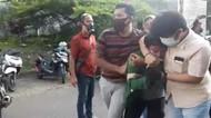 Polisi Buru Pengunggah Hoax Perwira Susupi Demo Berujung Cekcok Antarpolisi