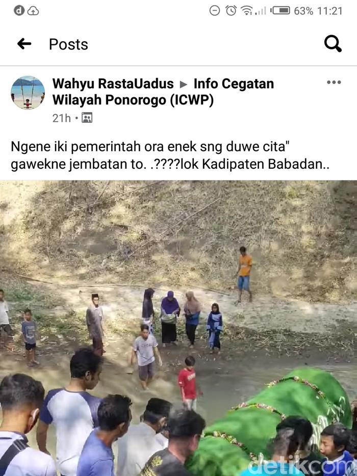 Video Viral Warga Gotong Jenazah Lewat Sungai dan Jalan Ekstrem
