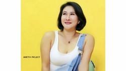 Digoda Anak Muda saat Tampil Seksi, Yurike Prastika Nikmati Berbalas DM