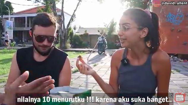 5 Reaksi Bule Saat Cicip Martabak Indonesia Pertama Kali